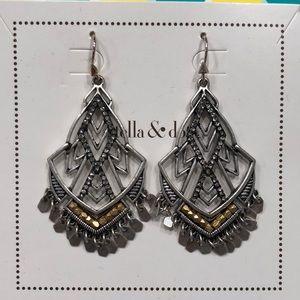 New in box Stella & Dot Etoile Chandelier Earrings